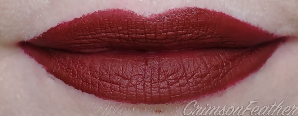 Jeffree-Star-Unicorn-Blood-Swatch