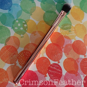 Revolution-Ultra-Metals-Eyeshadow-Blender-Brush