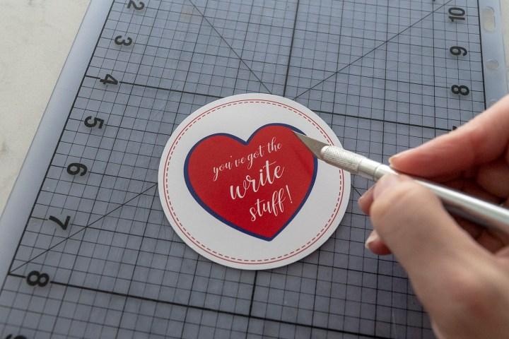 Free Printable Valentine Circle Tags