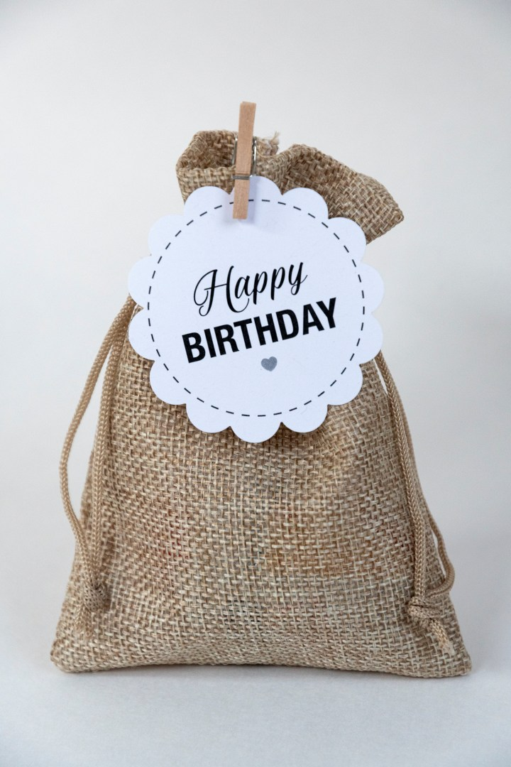 Free printable happy birthday round gift tags