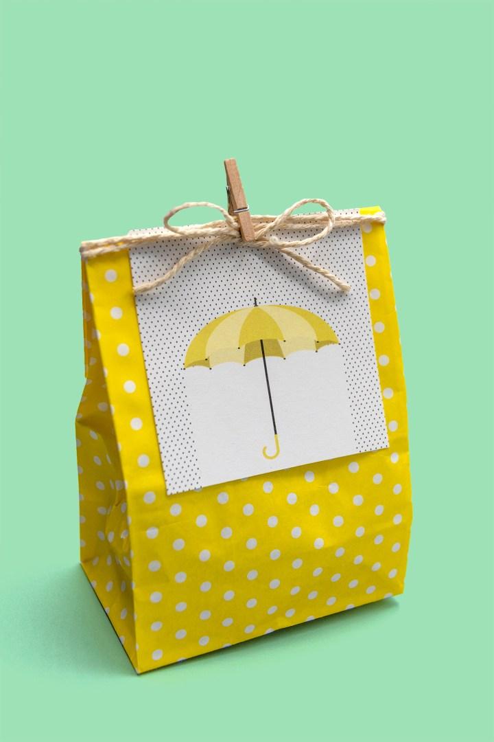 Yellow Umbrella Shower Gift Tags