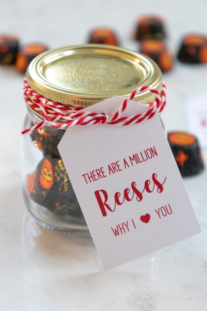 Free Valentine Printable: There are a million Reeses why I love you