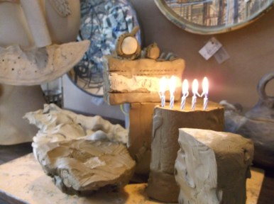 Част от празничната гощавка по случай рождения ден на Галерия Факири
