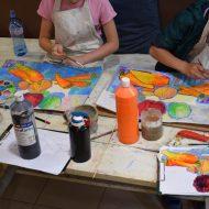 Урок по рисуване с темпера - за деца в Школата Арт Джунгла.