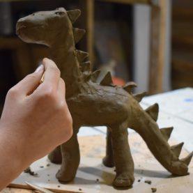 Урок по керамика за деца в Школата Арт Джунгла.