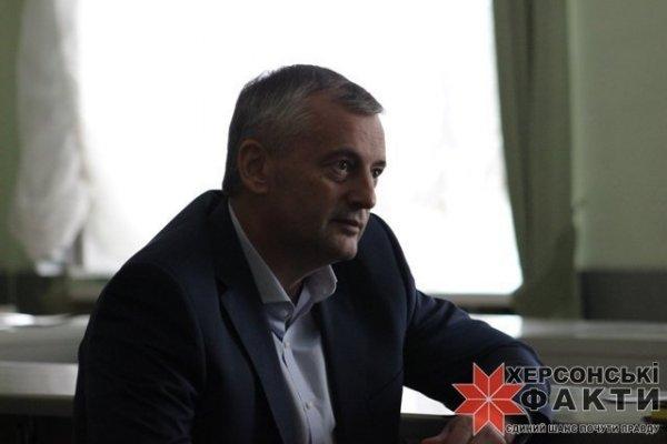 Херсонский суд арестовал «iPhone» задержанного на взятке директора Департамента бюджета