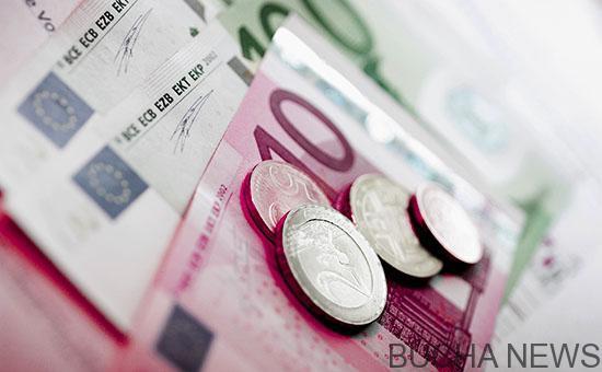 Курс евро впервые с начала года упала ниже 65 рублей