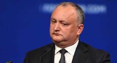 Додон временно отстранён от должности президента