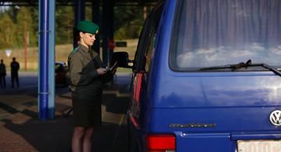 Лукашенко пожаловался на украинское оружие