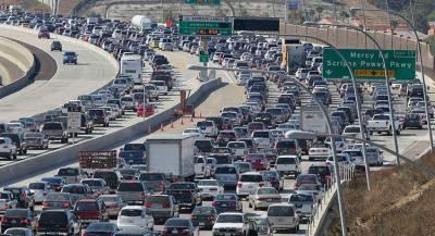 Десятки человек пострадали из-за ДТП в Калифорнии