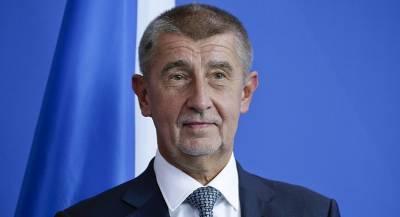 Премьер Чехии предложил отдать военные бюджеты бедным