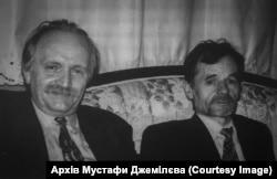 У 1996 році Джемілєв і Чорновіл їздили у складі делегації у Туреччину. Фото із особистого архіву Мустафи Джемілєва