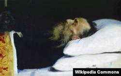 «Історик Микола Іванович Костомаров у домовині», художник Ілля Рєпін (Ріпин), 1885 року