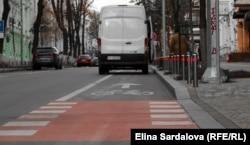 Велосипедна доріжка в центрі Києва