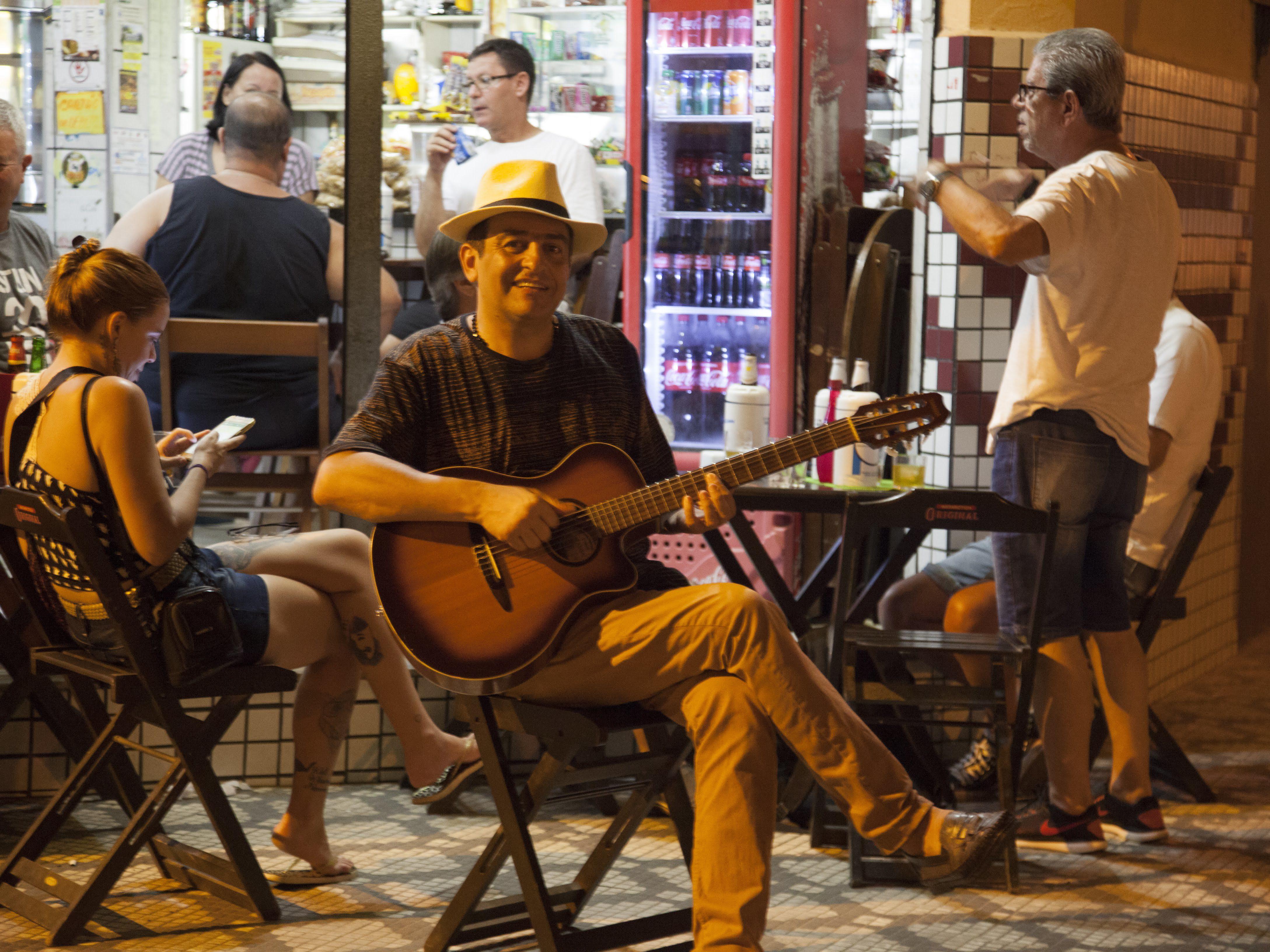 Sandro Bacelar canta Noel Rosa, domingo, em comemoração ao Dia do Samba