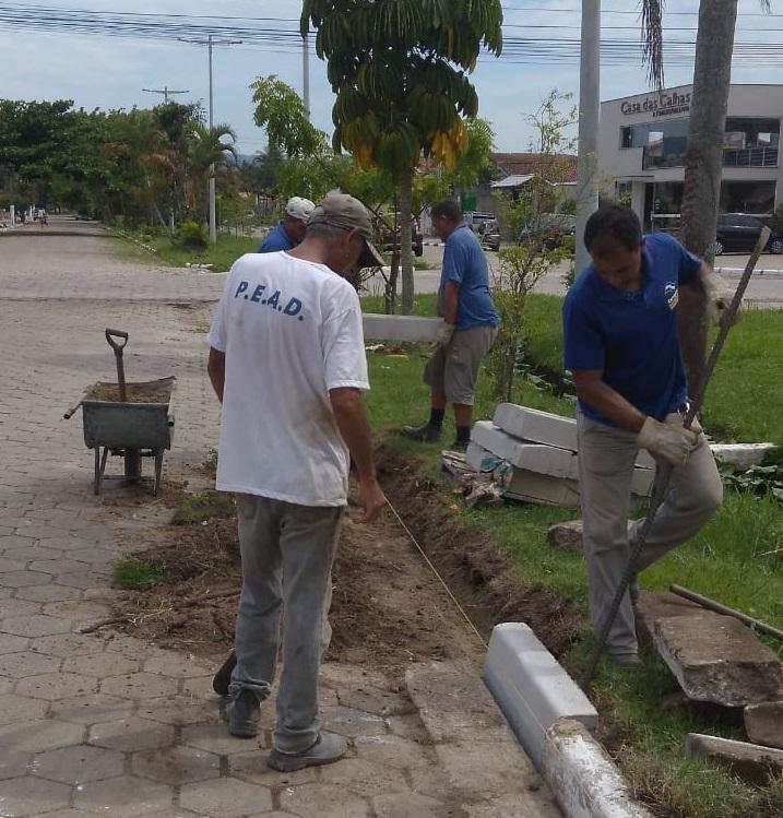 Prefeitura faz reassentamento de guias em avenida do Aruan