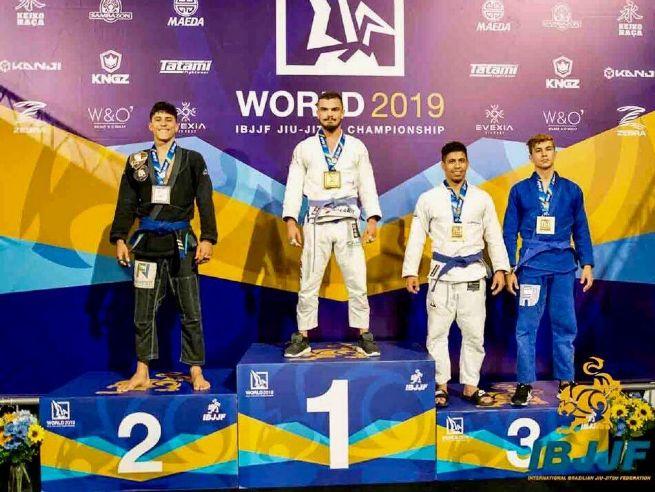 Atleta sebastianense conquista título mundial de jiu-jitsu
