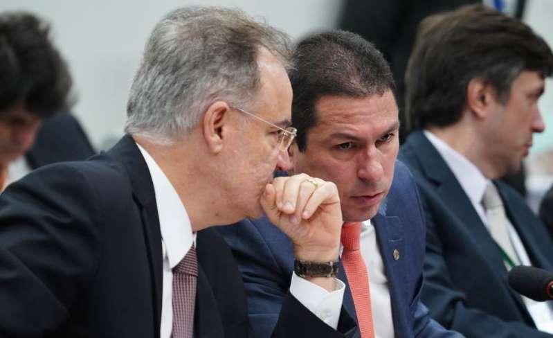 Oposição e festas juninas, os obstáculos para a tramitação da reforma na Câmara
