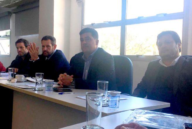 Prefeito Felipe Augusto solicita mudanças nas normas do setor pesqueiro