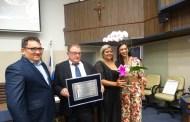 Dr. Arnaldo recebe o título de Cidadão Caraguatatubense