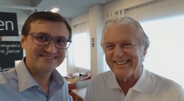 Novo presidente do PSL Recife, Raphael Souto ao lado do presidente nacional da sigla, deputado federal Luciano Bivar