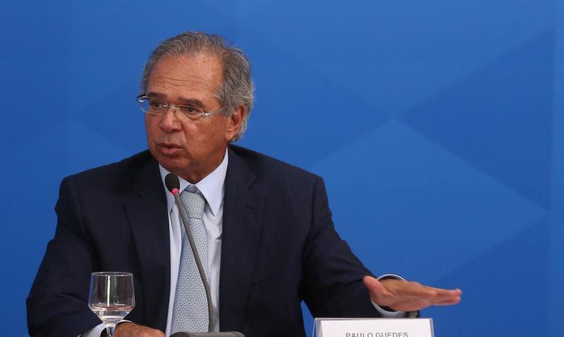 Guedes já admite prorrogar auxílio emergencial por até três meses