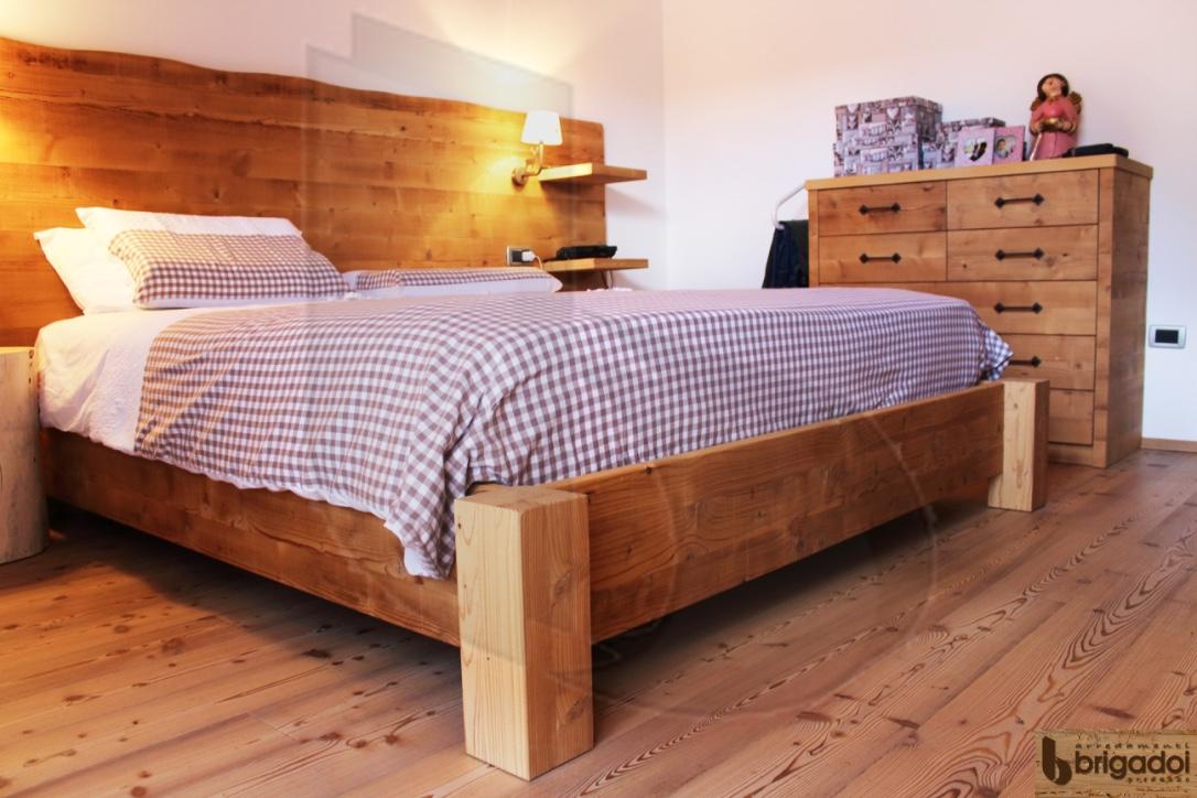 camera legno abete vecchio arredamenti brigadoi