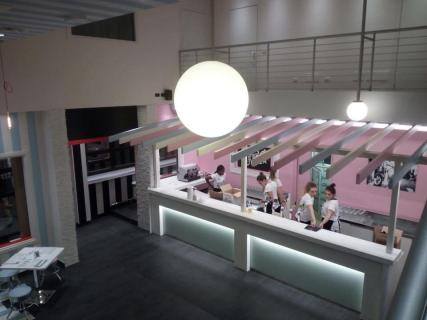 RETRO' BURGER LEGNANO - BANCONE BAR ILLUMINATO