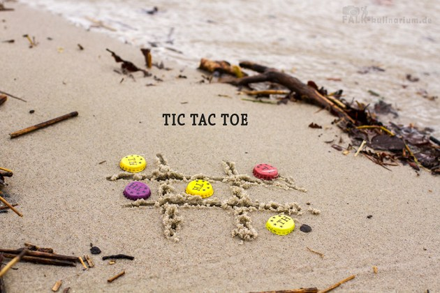 Tictactoe am Strand