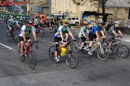 Fallas bike riders
