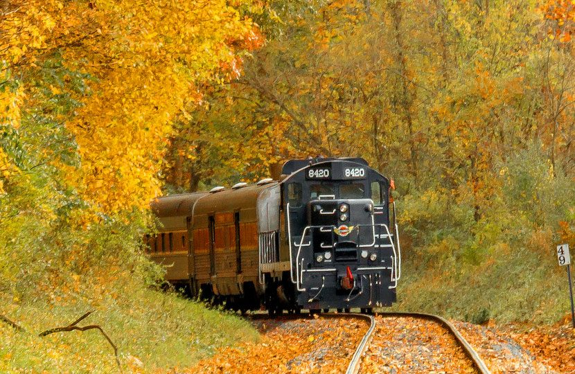 Colorado Fall Wallpaper Midwest Us Fall Colors By Train Fall Foliage Trains