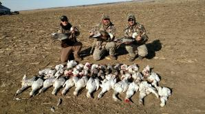 Guided Snow Goose Hunts - Mound City, Missouri - 855-473-2875