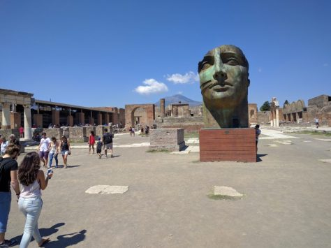 Modern art in Pompeii. Photo by j a-b.