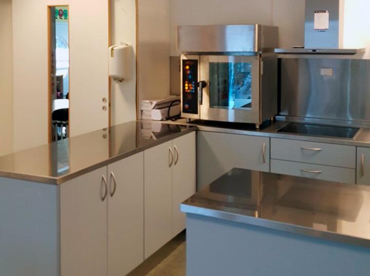 Arne L Fallrø Storkjøkken AS har levert storkjøkkenutstyr til Ringvollskogen Barnehage