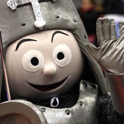 Mascotte del Legnano Basket Knights realizzata da Costumi Falpalà