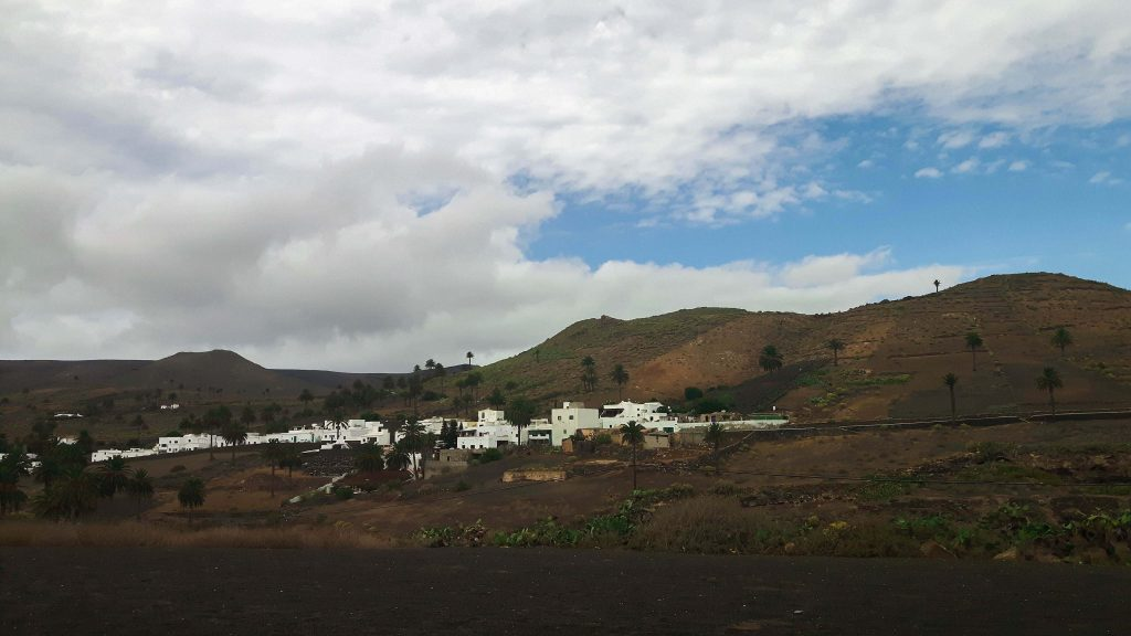 Lanzarote-travel-guide-haria-das-tal-der-tausend-palmen-berge (1 von 1) (1)