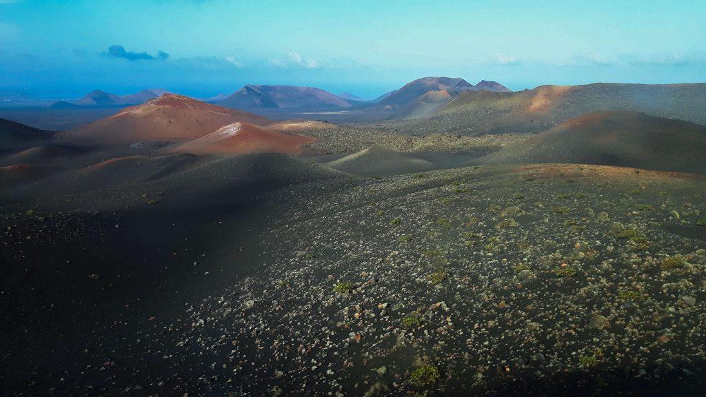 Lanzarote-travel-guide-timanfaya-nationalpark-vulkan-landschaft-himmel-berge (1 von 1) (1)