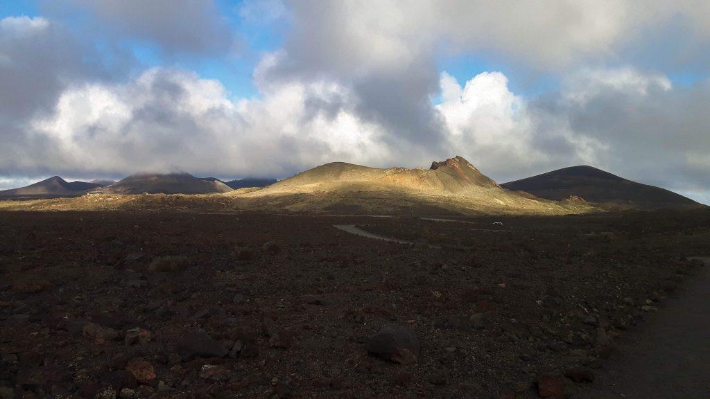Lanzarote-travel-guide-wanderung-caldera-colorada-vulkan-landschaft (1 von 1) (1)