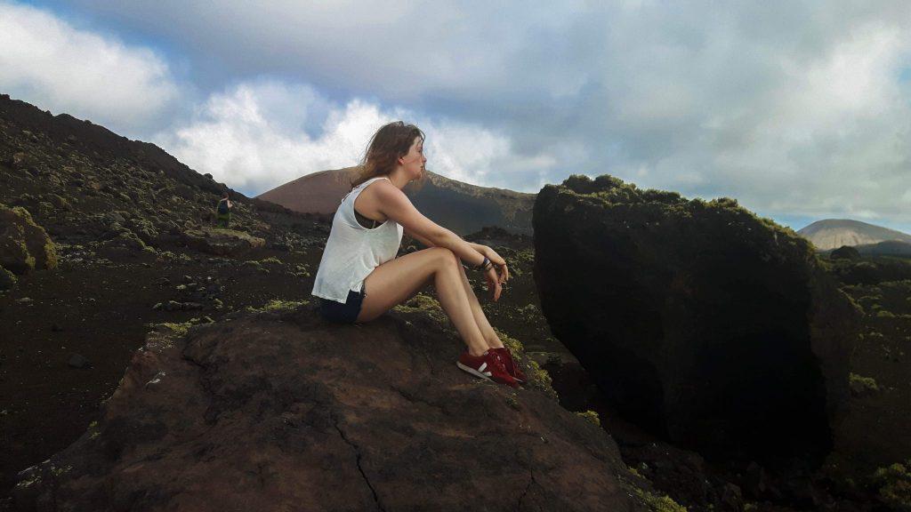 Lanzarote-travel-guide-wanderung-caldera-colorada-vulkan-landschaft-luise-ausblick (1 von 1) (1)