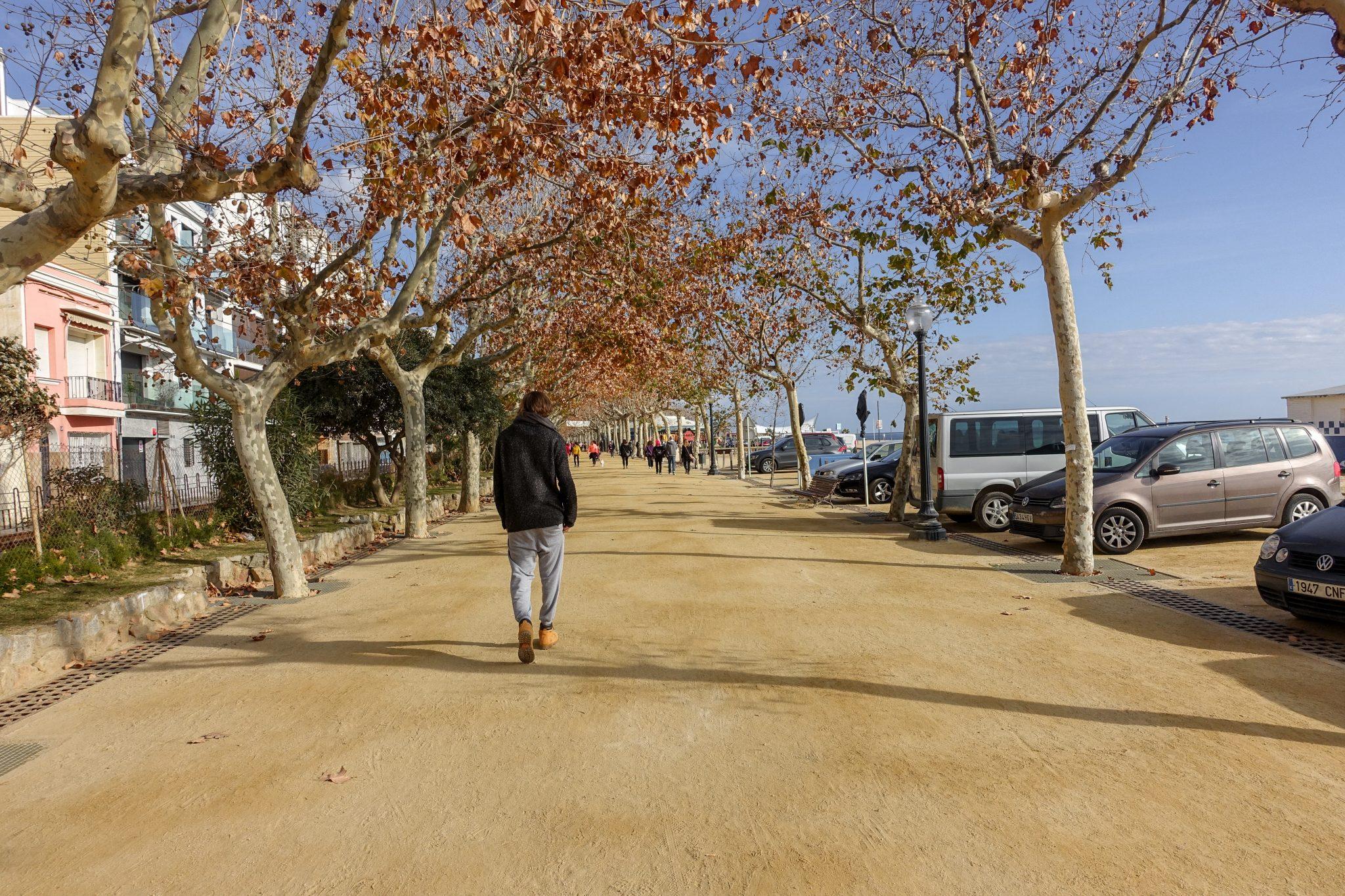 calella-travel-guide-winter-strandpromenade