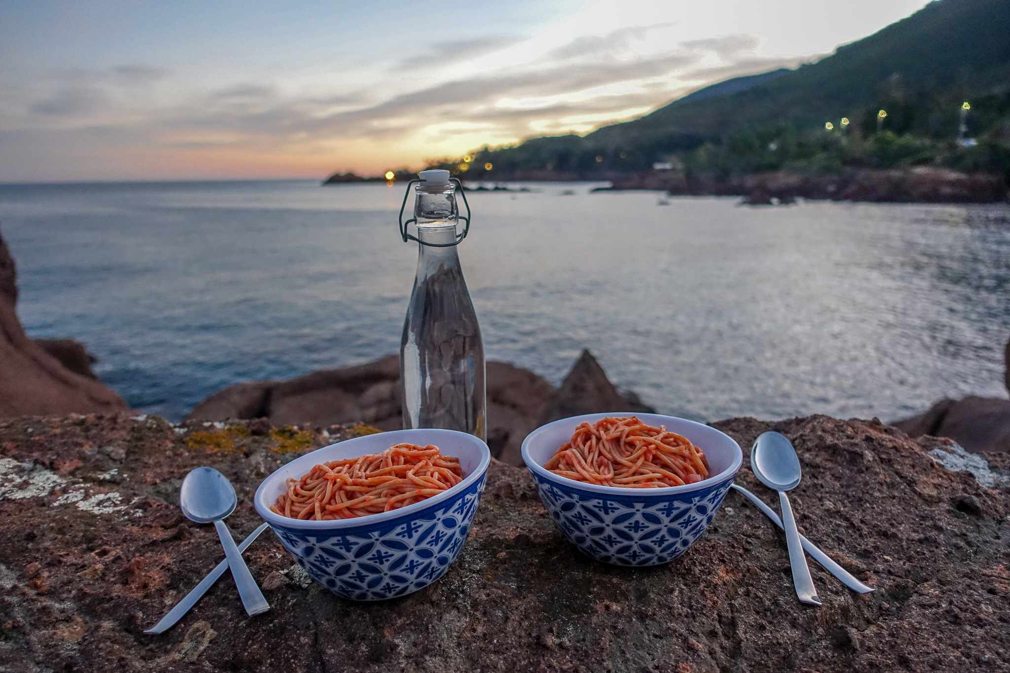 günstig-kochen-essen-reisen-rezept-nudeln-tomatensoße