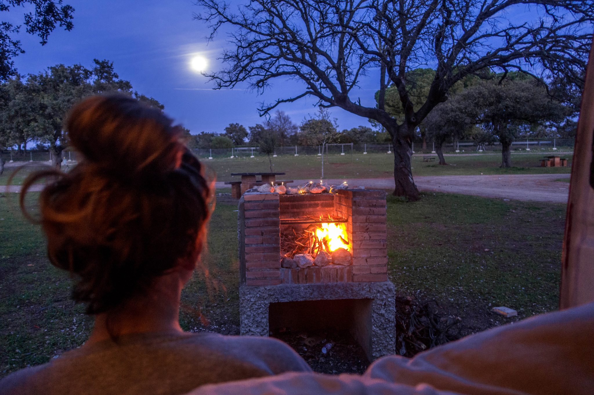 camping-feuer-