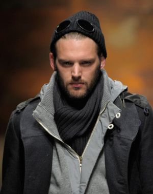 Are Men's Scarves Still in Style?