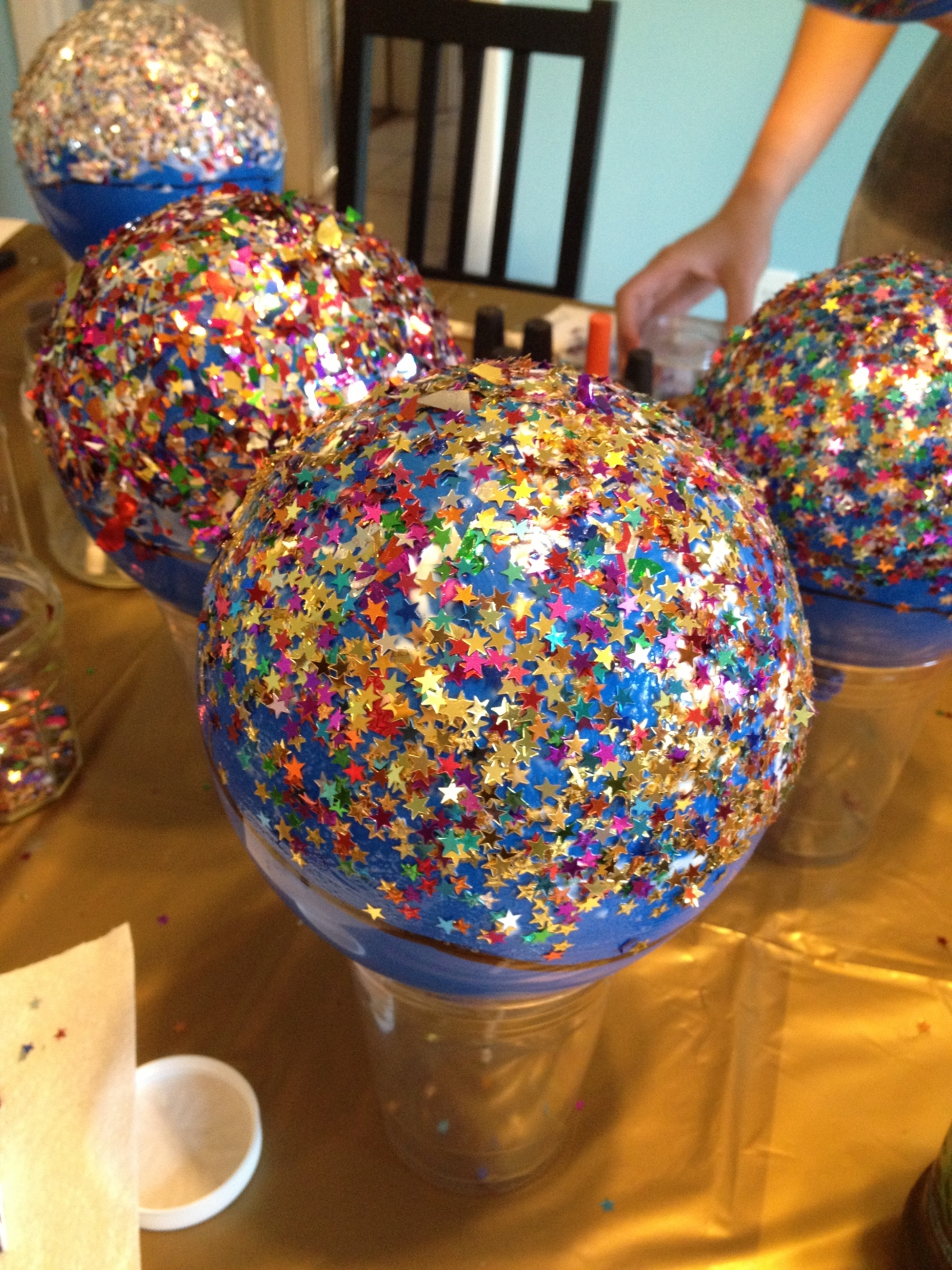 How To Make DIY Balloon Bowls For Easter Decorations