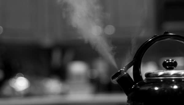 93_365_-_04_03_11_-_Kettle_Steaming___Flickr_-_Photo_Sharing_