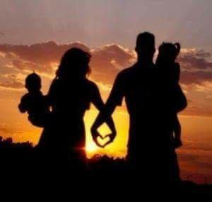 """Poezie din concurs: ,,O tinerețe curată este fundamentul familiei fericite!"""""""
