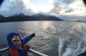 Trecho de barco entre a ilha e o bosque