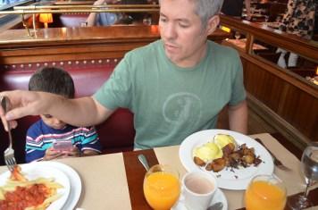 Eggs Benedict e Penne Pomodoro