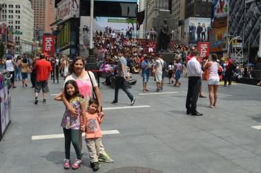 Escadaria vermelha da Times Square