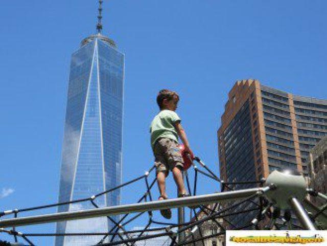 Jugando junto al One WOrld Trade Center